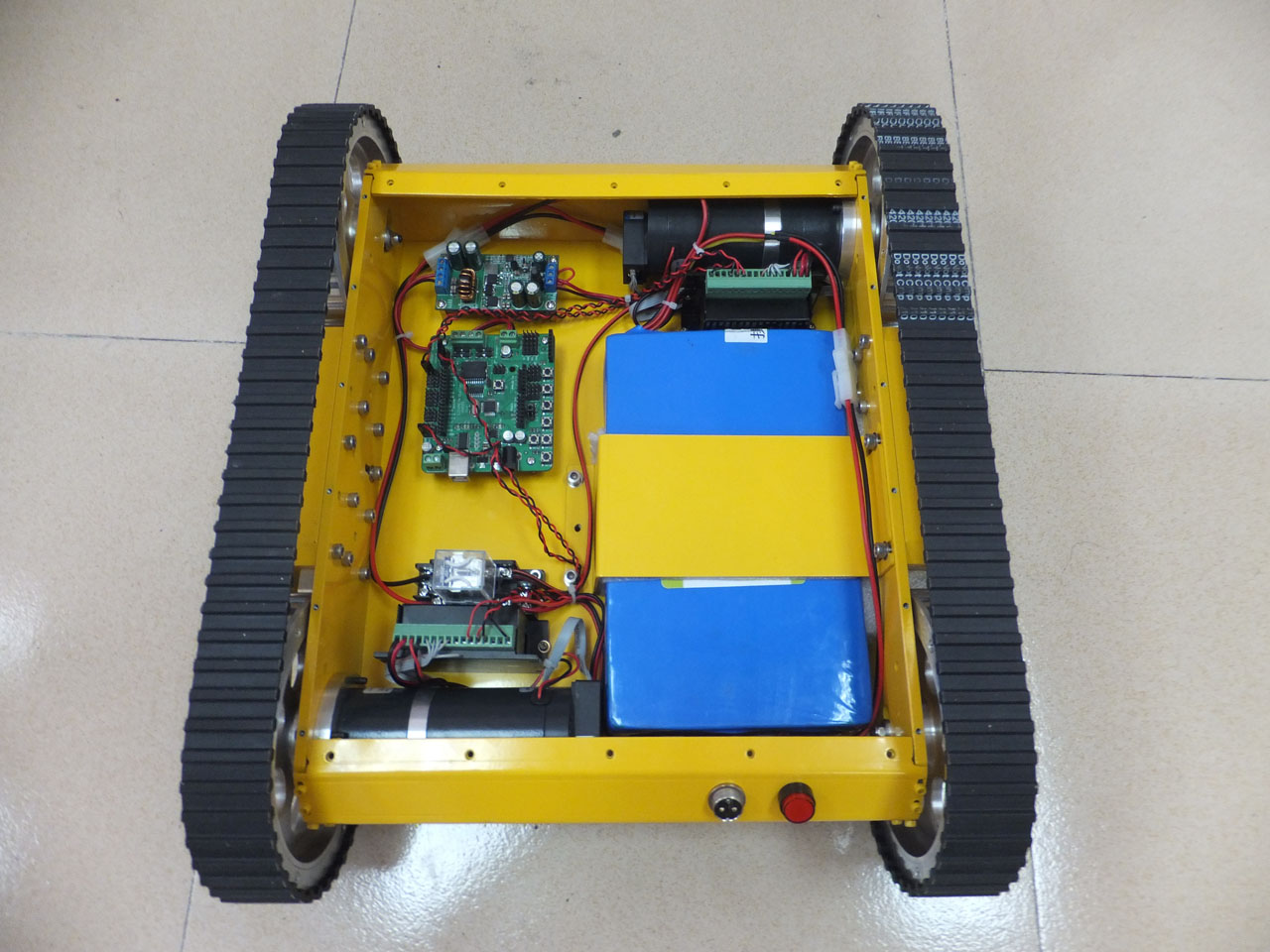 Heavy-duty-tracked-mobile-robot-tank-kit-1